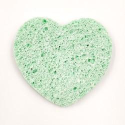 Rose Cosmetics Face Wash Sponge (green, heart-shaped)